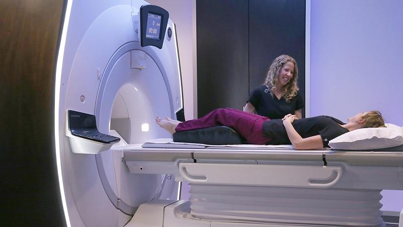 سونوگرافی پستان اصفهان MRI پستان و نکات قبل از انجام آن